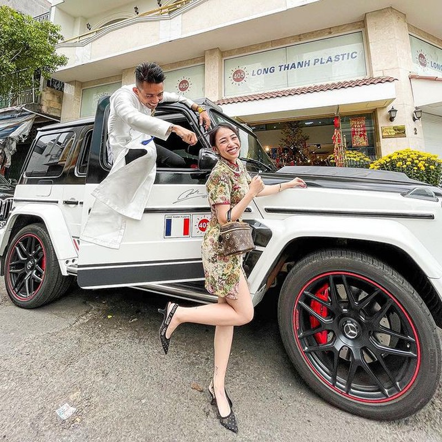 Loat hot girl, rich kid dau nam moi khoe li xi khung-Hinh-9