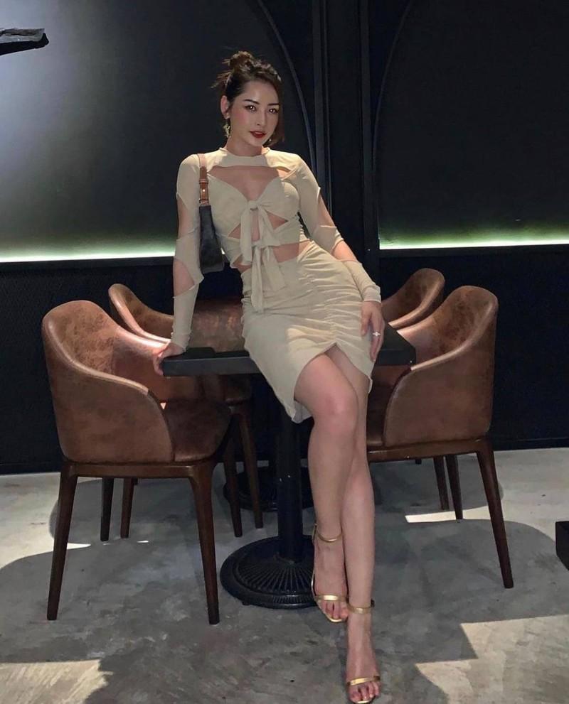 Khoe vong eo nong bong, Chi Pu vuot mat nhieu my nhan