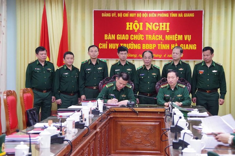 Dieu dong, bo nhiem nhan su Bo Quoc phong-Hinh-3