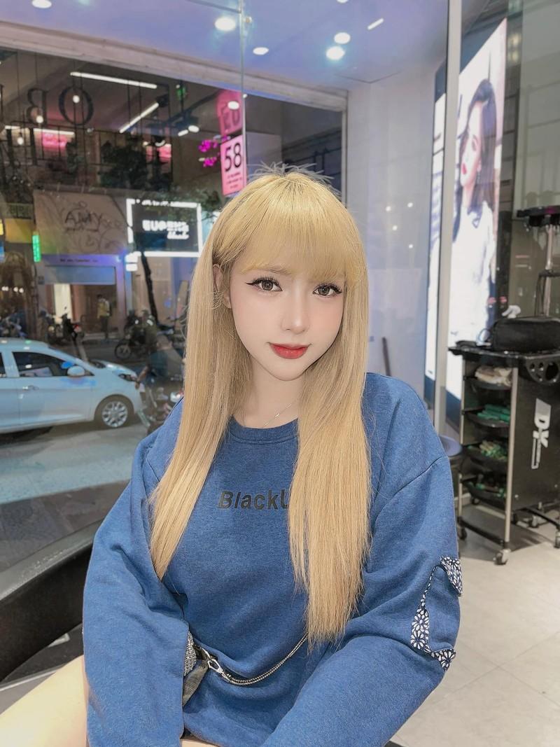 Khoe duong cong cuc pham, hot girl chuyen gioi lam netizen nghieng nga-Hinh-10