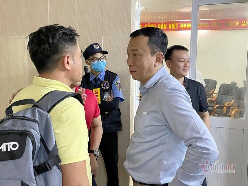 Tuyen Viet Nam chot 'quan xanh' giao huu truoc khi di UAE-Hinh-2