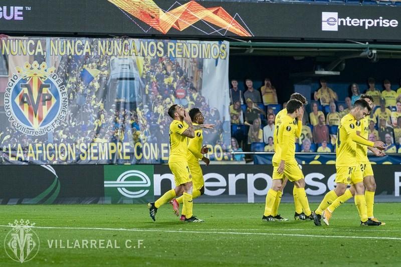Xac dinh 2 cap dau ban ket Europa League-Hinh-4