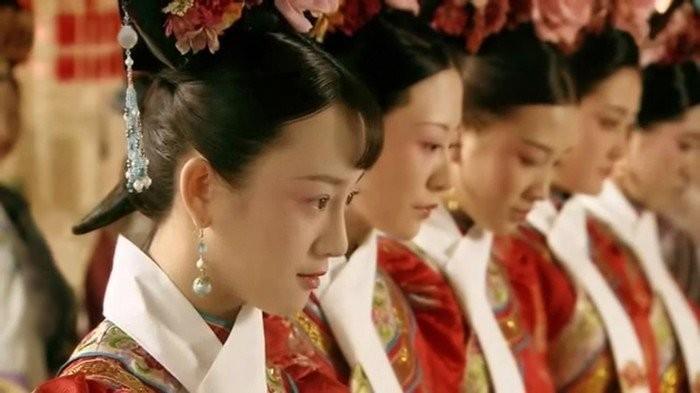 Cac cung nu cua trieu Thanh khong song sot sau khi bi duoi khoi cung