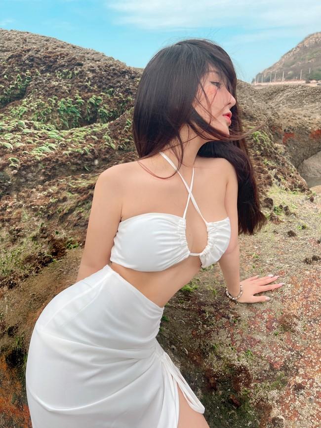 Gai xinh Sai thanh khoe duong cong muot mat voi bikini-Hinh-5