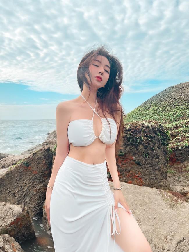 Gai xinh Sai thanh khoe duong cong muot mat voi bikini-Hinh-6