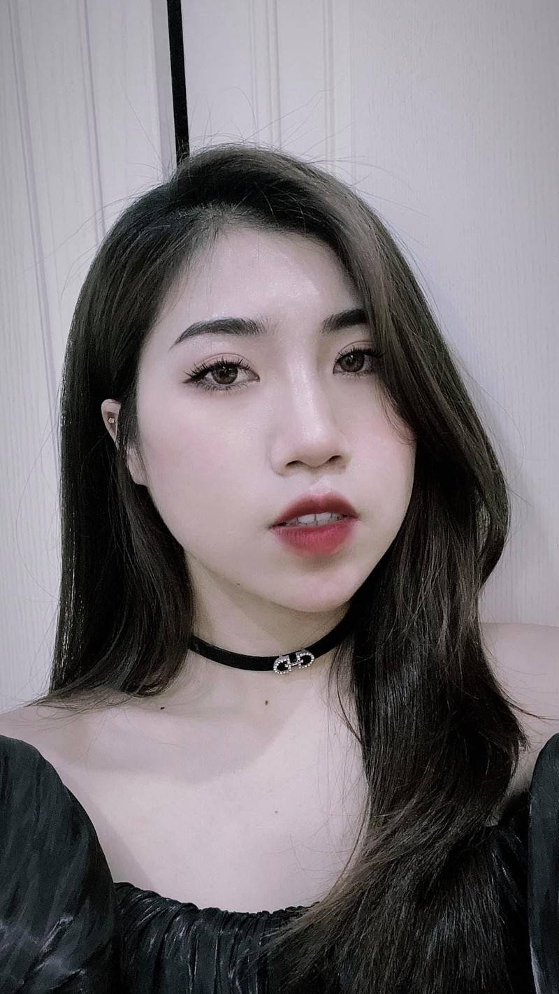 Em gai tien dao doi tuyen Viet Nam lo voc dang chuan hot girl-Hinh-6