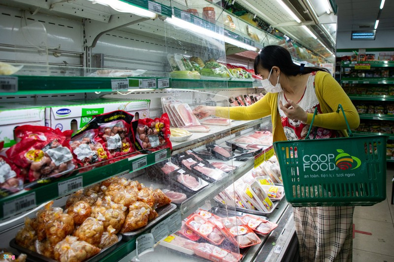 17 cua hang loi dung thuong hieu Co.op Food ban gia cao trong dich
