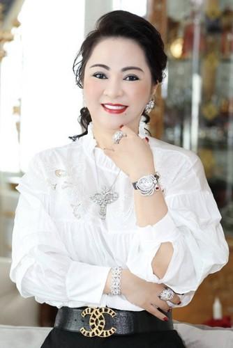 Ba Phuong Hang tung anh cuc hiem dip sinh nhat