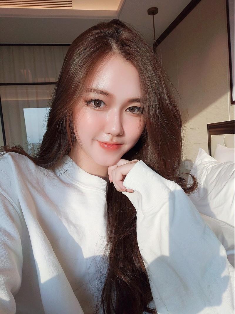 Lo danh tinh hot girl Sai thanh 16 tuoi khoe thu nhap tien ty-Hinh-10