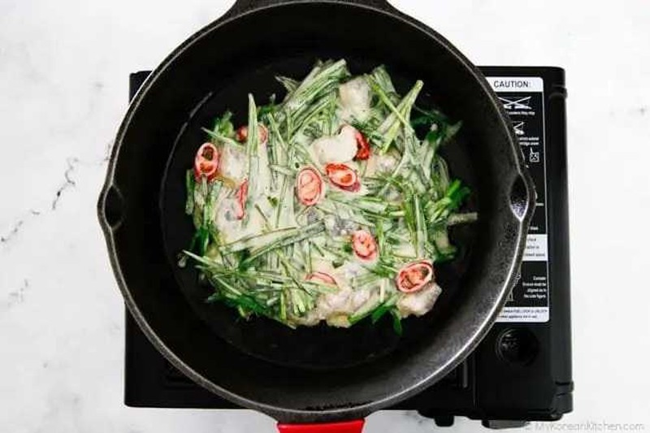 Tuyet chieu lam banh pancake la he kieu Han ngon kho cuong-Hinh-4