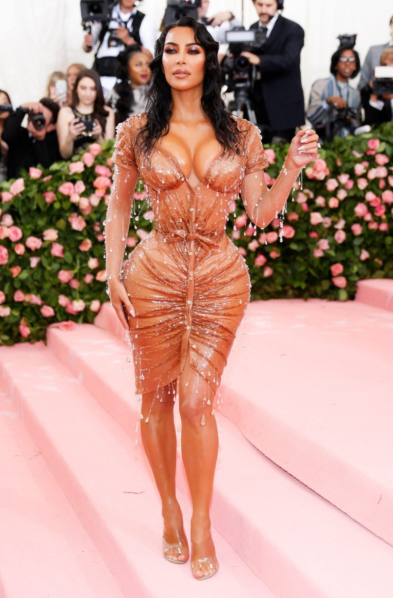 Kim Kardashian song the nao voi khoi tai san 900 trieu USD?-Hinh-8