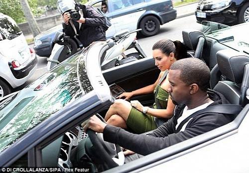 Kim Kardashian song the nao voi khoi tai san 900 trieu USD?-Hinh-9