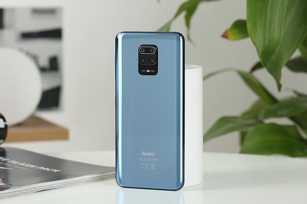 Samsung ra mat dien thoai gia re, pin khung tha ho luot web-Hinh-9