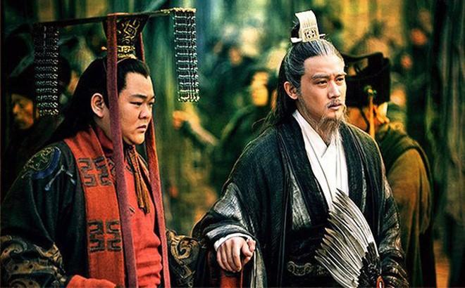 Nhan tai duoc Luu Bi uu ai, nhung Gia Cat Luong giang lam dan thuong?-Hinh-3
