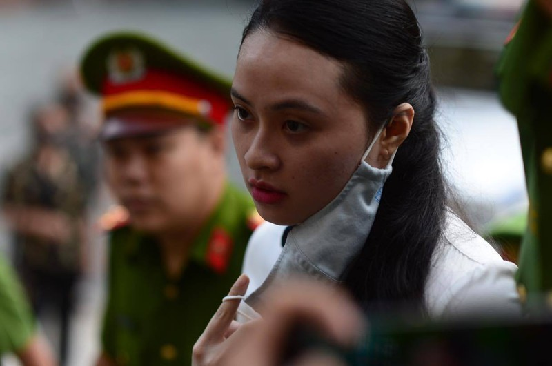 Nu bi cao vu Van Kinh Duong rut don, chap nhan an chung than-Hinh-2