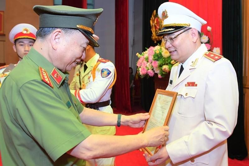 Chanh van phong Bo Cong an To An Xo duoc thang ham Trung tuong