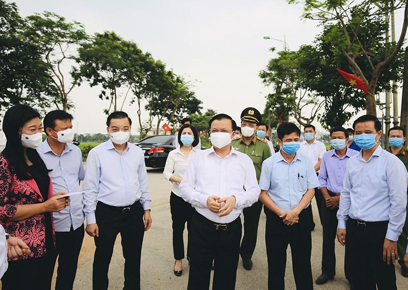 Bi thu Thanh uy Ha Noi Dinh Tien Dung: Noi co dich phai ra quan tong luc-Hinh-2