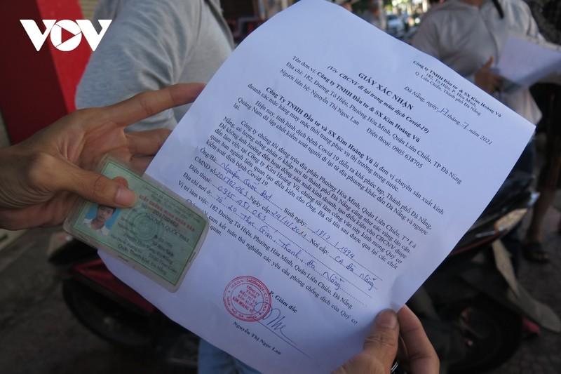 """Nguoi dan 4 phuong """"diem nong"""" tai Da Nang thuc hien nghiem gian cach xa hoi-Hinh-3"""