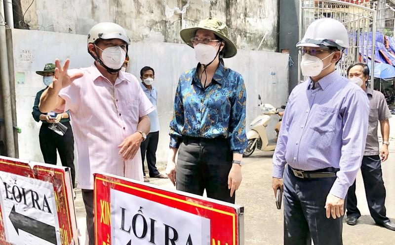 Quang Ngai, Phu Yen day nhanh tien do tiem vaccine Covid-19
