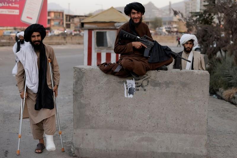 Phuong Tay tim cach khong van tien mat cho nguoi Afghanistan-Hinh-2