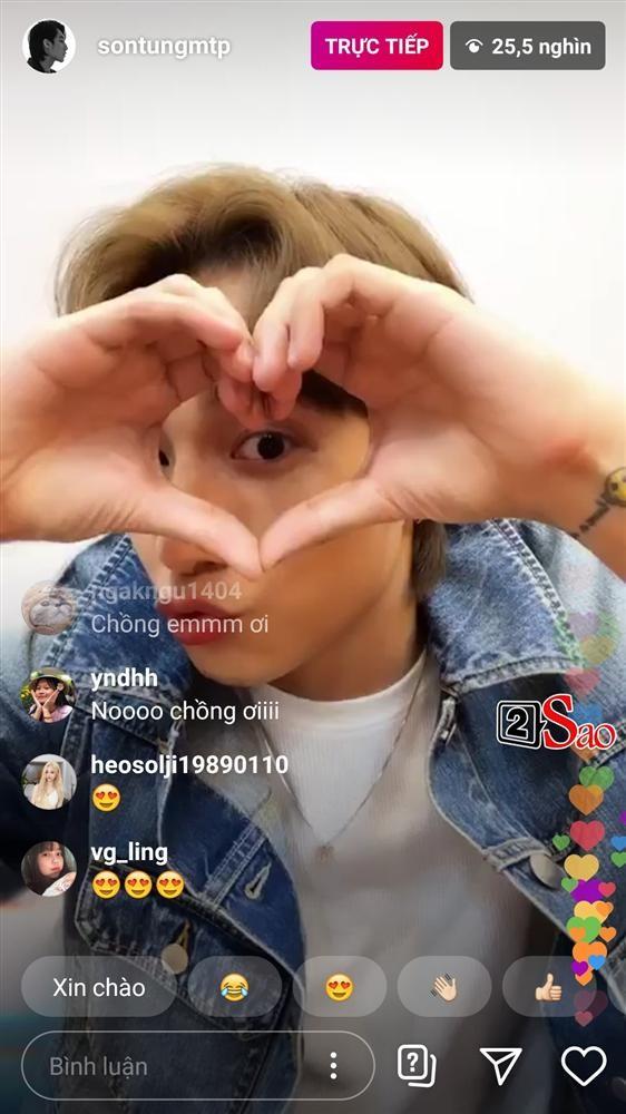 Son Tung bam nham hieu ung trang diem khi livestream khien fan nga ngua-Hinh-8