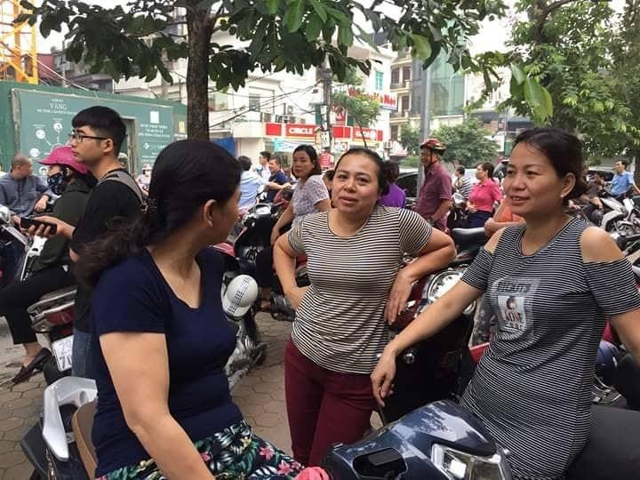 Hon 887.000 thi Ngu Van THPT de thi: Ai da dat ten cho dong song-Hinh-10