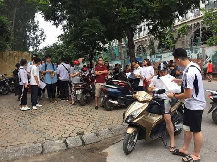 Hon 887.000 thi Ngu Van THPT de thi: Ai da dat ten cho dong song-Hinh-3