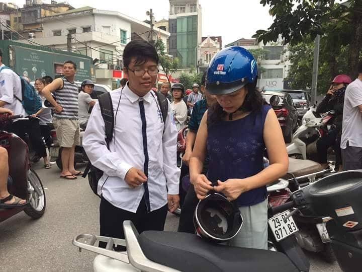 Hon 887.000 thi Ngu Van THPT de thi: Ai da dat ten cho dong song-Hinh-9