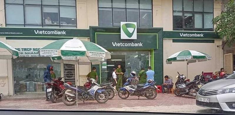 Truy bat ke bit mat dung sung cuop ngan hang Vietcombank