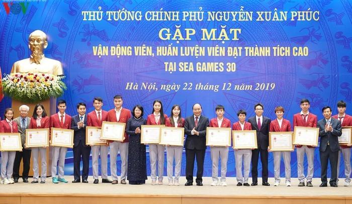 Thu tuong gap mat cac VDV dat thanh tich cao tai SEA Games 30-Hinh-4