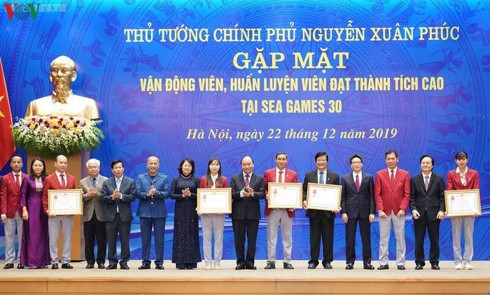 Thu tuong gap mat cac VDV dat thanh tich cao tai SEA Games 30-Hinh-8