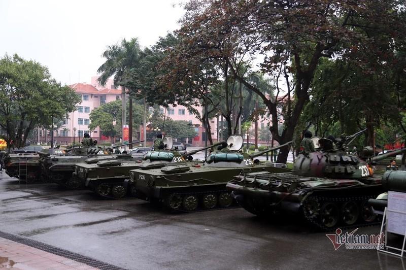 Bo doi xe tang, xe boc thep manh nhat Viet Nam tu hoi trong ngay dac biet-Hinh-16