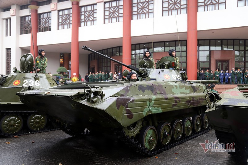 Bo doi xe tang, xe boc thep manh nhat Viet Nam tu hoi trong ngay dac biet-Hinh-3