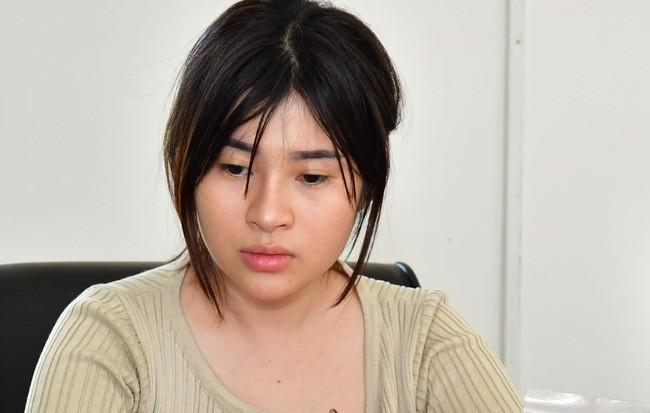 Nhan sac hot girl om gau bong van chuyen 3000 vien ma tuy vuot bien-Hinh-2