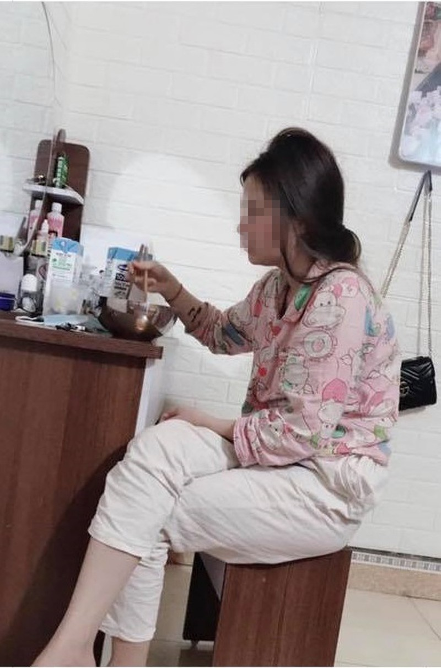 Anh chong 'boc phot' vo nhung lai nhan 'bao like' tu cu dan mang-Hinh-2