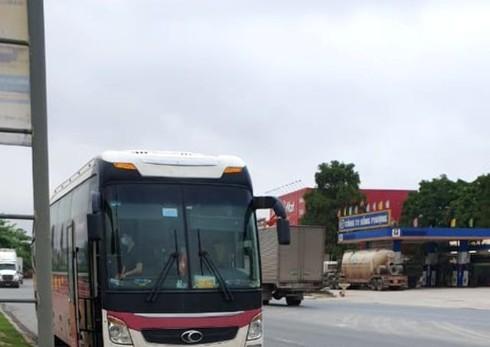 Covid-19: Cach ly khan cap 29 hanh khach tren xe tu Ha Noi ve Thanh Hoa