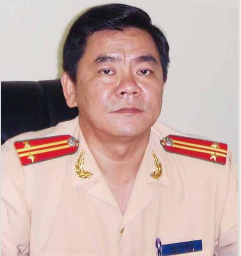 Vuong sai pham gi... Truong phong CSGT Dong Nai bi cach chuc?