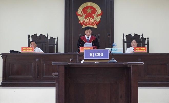 Cuu truong CA TP Thanh Hoa nhan hoi lo: Phat 24 thang tu
