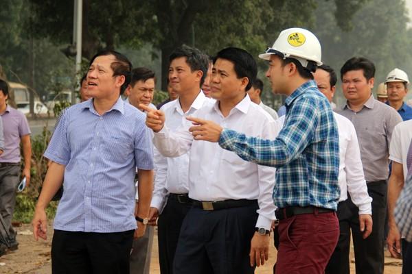 "Cong ty Beepro bi to ""bo roi"" 106 cay co thu cua Ha Noi: Ong Tran Vuong Long la ai?-Hinh-5"