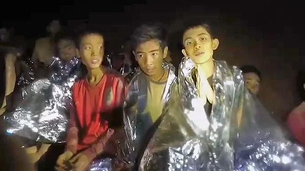 Thai Lan chot phuong an dua doi bong thieu nien ra khoi hang Tham Luang