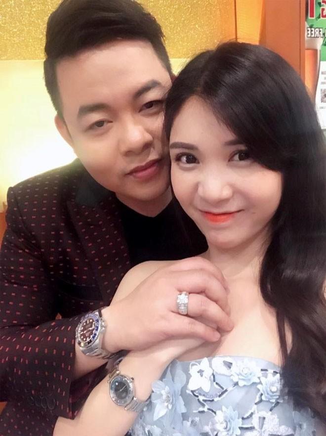 Tinh cu Quang Le co so thich an mac sexy kiem vai-Hinh-3