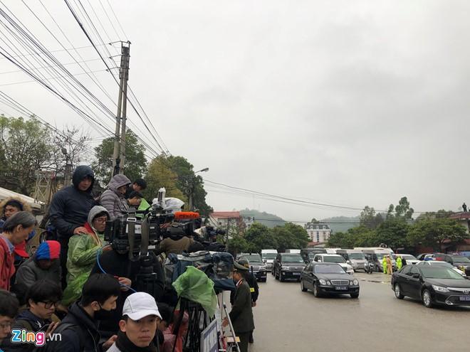Chu tich Trieu Tien Kim Jong-un ve den khach san Melia, Ha Noi-Hinh-17
