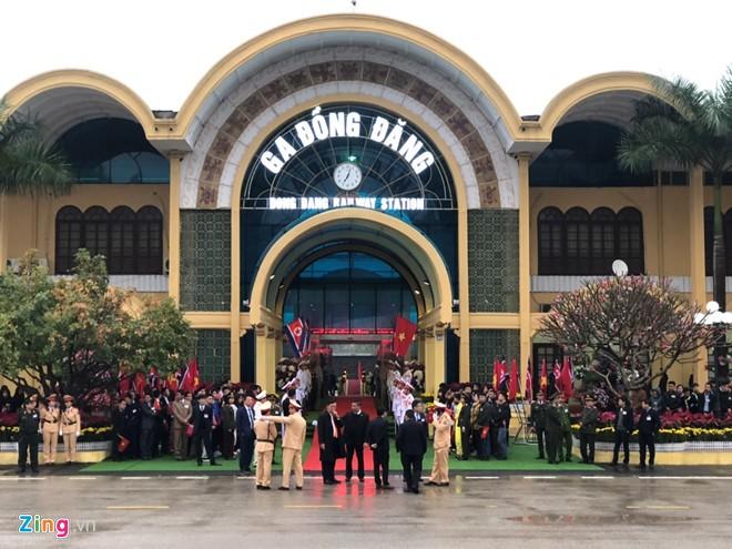 Chu tich Trieu Tien Kim Jong-un ve den khach san Melia, Ha Noi-Hinh-18