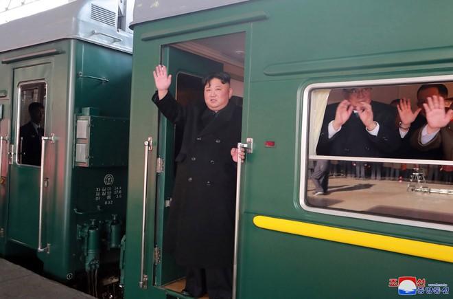 Chu tich Trieu Tien Kim Jong-un ve den khach san Melia, Ha Noi-Hinh-37