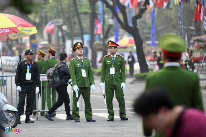 Tong thong Trump khen Chu tich Kim la nha lanh dao tuyet voi-Hinh-36