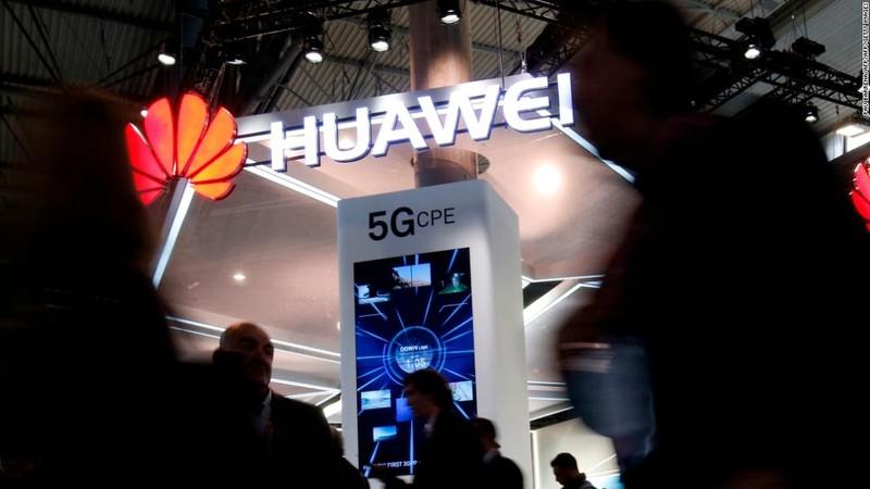 Tap doan Huawei chinh thuc de don kien Chinh phu My