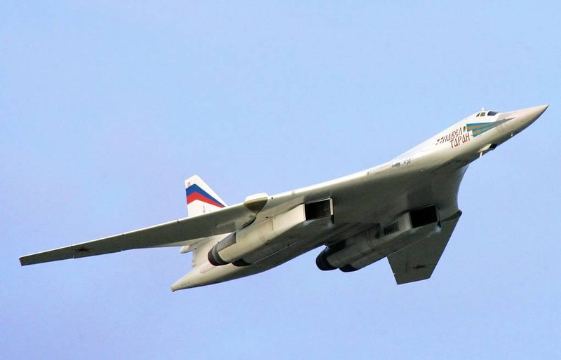Nga lan dau lo dien may bay nem bom thay the Tu-95 va Tu-160-Hinh-12