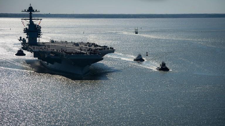My phat met voi sieu tau san bay tau san bay USS Gerald R. Ford