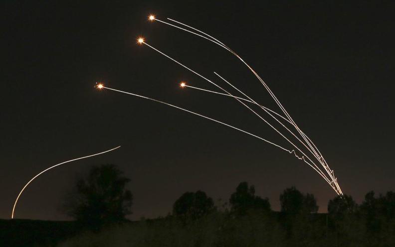 Israel bất ngờ cho ra mắt phiên bản tên lửa Vòm Sắt trên biển