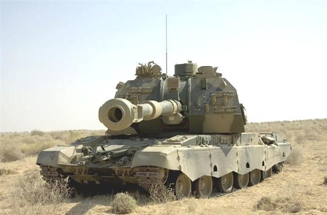 Nga triển khai siêu pháo tự hành tới sát biên giới Ukraine, Kiev hoang mang